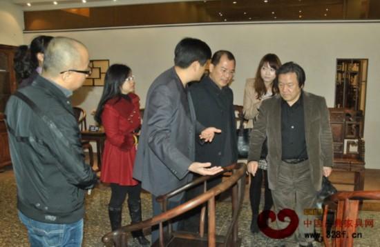日本喜多俊之先生参观合兴奇典居家具