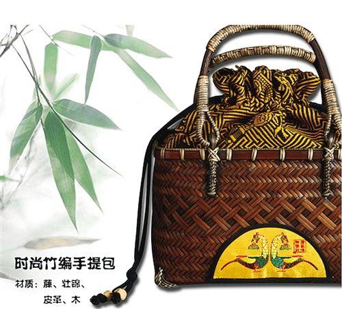 广西博物馆推出的手提包融入了壮锦元素