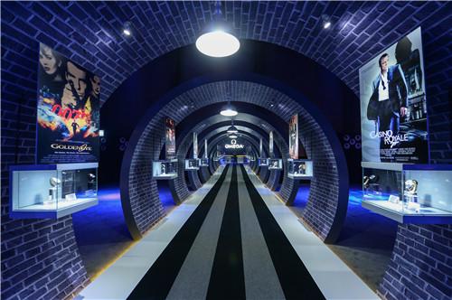 欧米茄特别在751 d park北京时尚设计广场第一车间举办了英伦主题欢庆