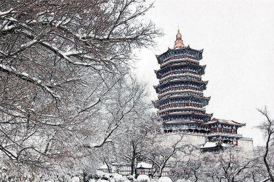 雪后的龙首山