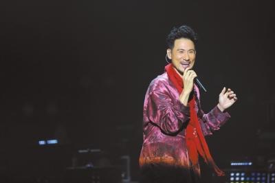 张学友穿睡衣开音乐会 图片来源:京华时报。