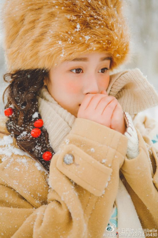 北影古典女神晒雪中写真 天真丽质似画中人