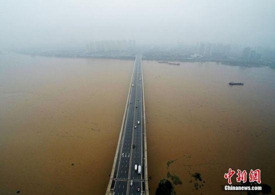 """""""厄尔尼诺""""来袭!专家解析近期中国多地极端天气"""