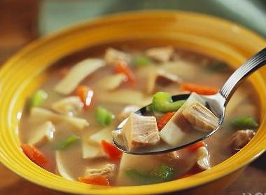 揭秘喝汤12个误区 不能养生反而伤身惹病