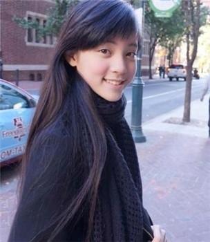 欧阳娜娜重回学校 老师与同学十分惊喜 揭秘王俊凯欧阳娜娜接吻真相图片
