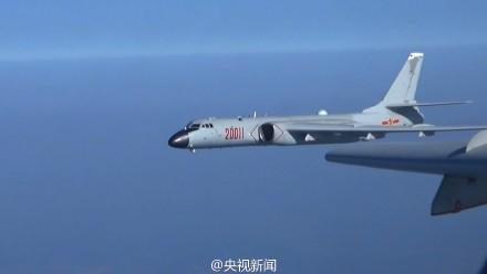 我多型軍機赴遠海訓練 飛出第一島鏈千余公裡(圖)