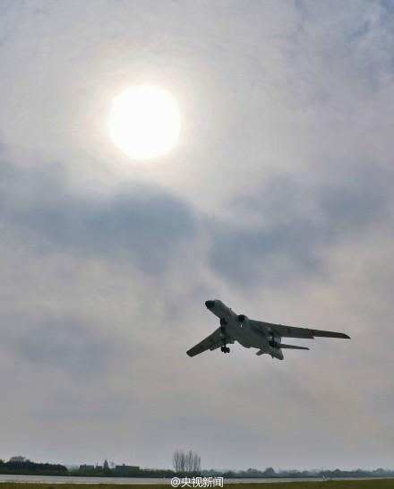 我多型軍機赴遠海訓練 飛出第一島鏈千余公裡(圖)【9】