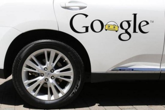 """谷歌无人驾驶车可与行人""""对话"""" 表明意图"""
