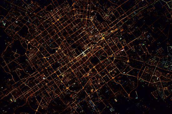 photoshop韩语字体太空拍地球见北京壮观夜景 换个角度看地球(组图)--国际--人民网