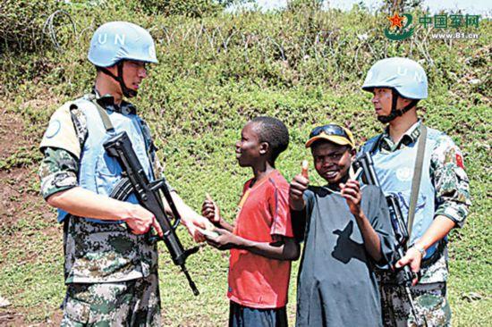 中国军队参加联合国维和行动25周年图片展纪