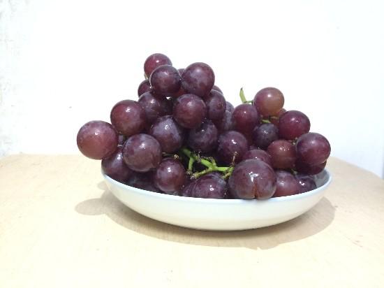 误区大揭秘:葡萄的白霜不是农药是好东西