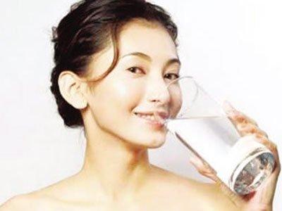 1杯养生水3个时刻喝可以救命