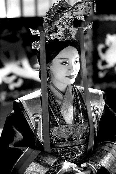 """""""洗白""""芈月遭质疑 导演称符合历史唯物主义"""