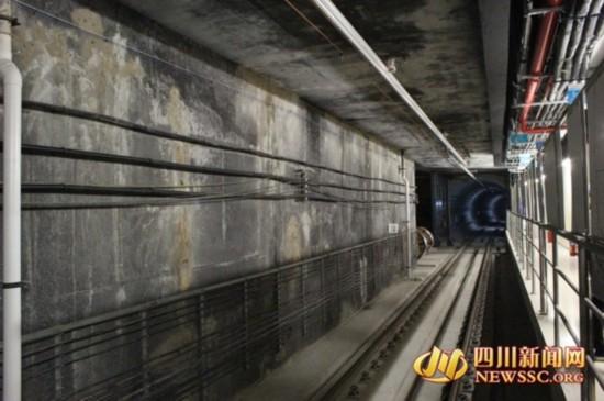 成都地铁3号线一期全线电通 计划明年9月开通运营