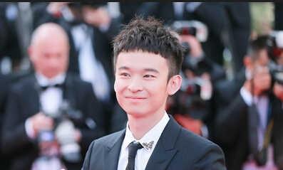 董子健亮相影展 年纪轻轻拥有影视公司19岁就被李冰冰献吻