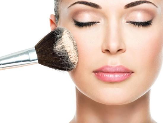 看脸的世界:妹子化妆变女神 八个化妆步骤教你完美蜕变