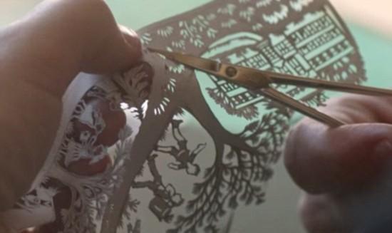 技艺非凡!瑞士剪纸艺术家坦露创作过程