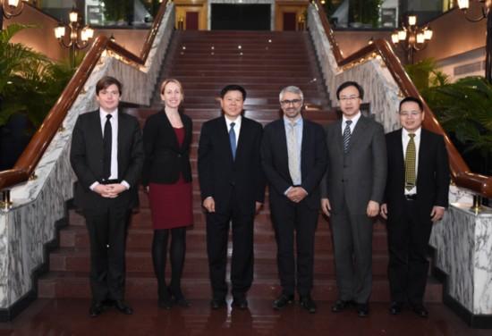 国家税务总局局长王军会见经合组织代表