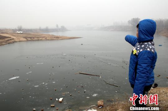 河北保定警民联手勇救落水群众10岁儿童获救民警牺牲