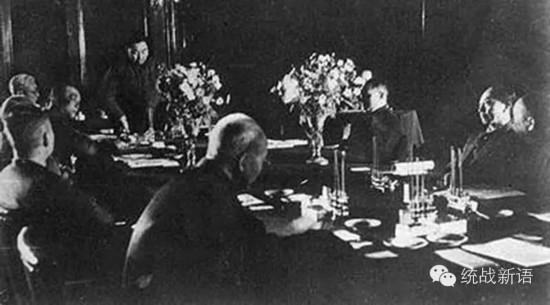 1949年4月,国共双方在北平举行和谈.-国共两党不是兄弟之争