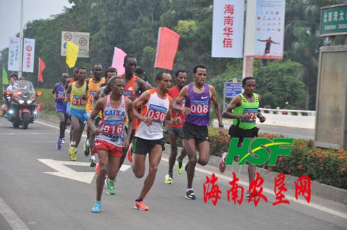 西马拉松-儋州国际马拉松赛途经西联农场