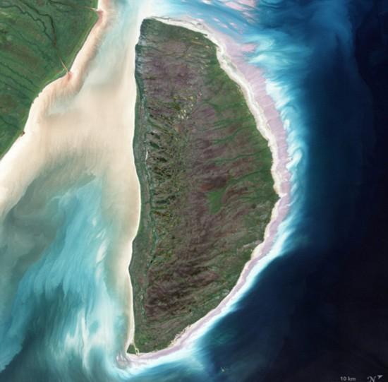 (组图)美航空专家卫星影像中收集完整字母表