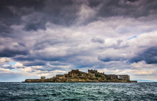 全球最荒凉的地方——日本军舰岛