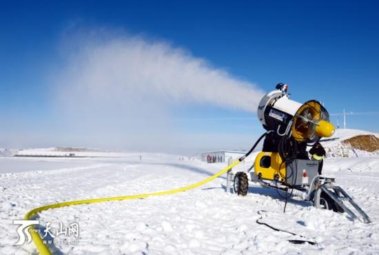 雪上大军齐聚天山天池 适应场地 期待比赛