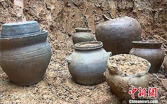 湖南郴州村民建房挖出汉代陶罐距今1700余年