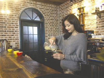 """清华女博士回老家开乡村咖啡馆:圆了""""少女梦"""""""