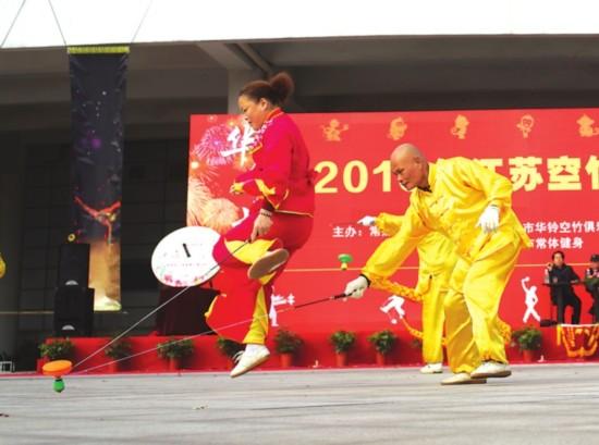双人舞,展示了两人共舞的默契