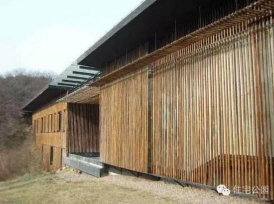海边清凉竹屋美女洗澡人体艺术图片_最有格调的竹屋别墅在中国,就在北京长城脚下