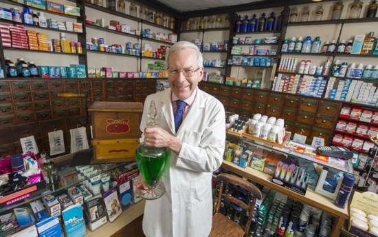 英最古老药房已营业282年顾客多为贵族