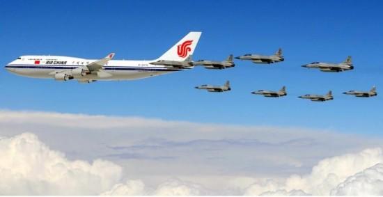哪些外军战机为中国领导人专机护航图片