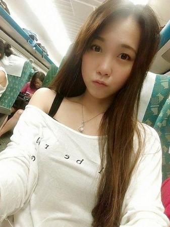 台湾最美女警走红 长腿大眼睛 网友 太辣了啦 图