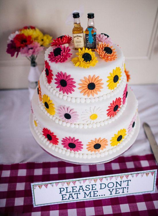 英国新娘DIY婚礼蛋糕请柬 节省近10万元
