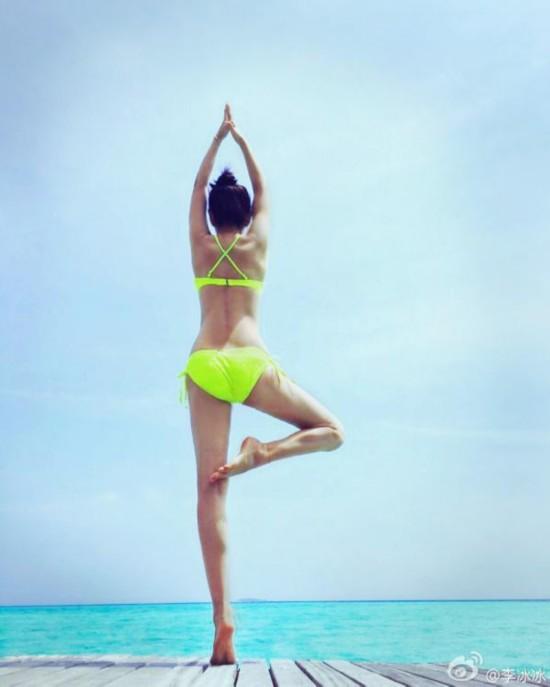 海边瑜伽视频_