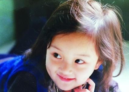 李小璐小时候与甜馨几乎是一模一样!