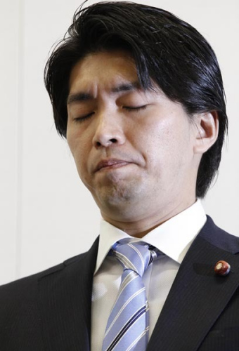 宫崎谦介。