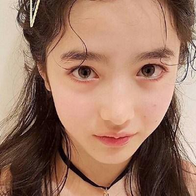 12岁日法混血小模特山田直美走红 盘点惊艳全球的超美小萝莉