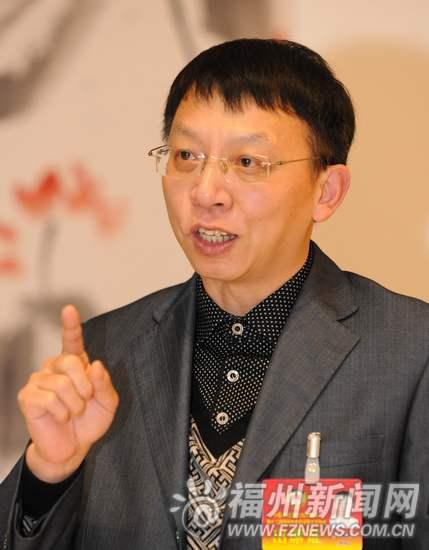 程敏文委员:促进教育均衡 科学规划学校布局