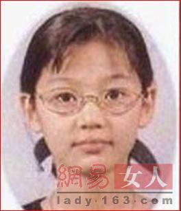 """全智贤 美女/人们对于全智贤小时候的照片,鼻子上没有""""美人痣""""的问题还是..."""