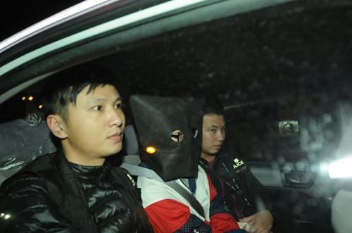 香港一男子疑不甘与前女友分手企图自焚烧伤手