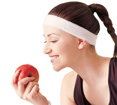 女性须知:吃苹果减肥致女性早更?冤!