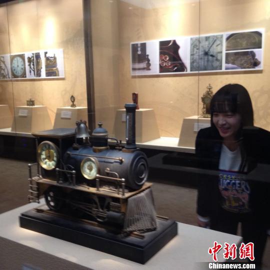 颐和园收藏39件清宫挂钟在园博馆展出