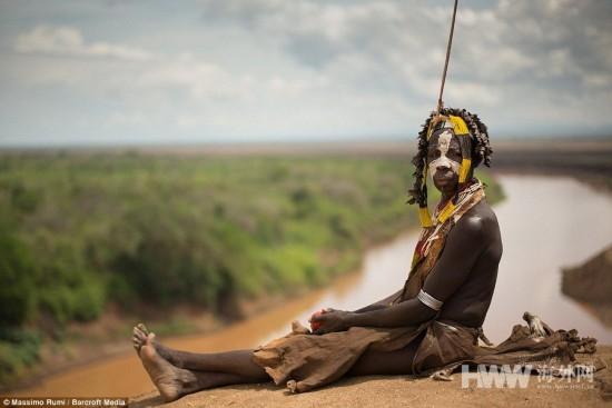 奧莫山谷原始部落:赤身裸體 遠離文明
