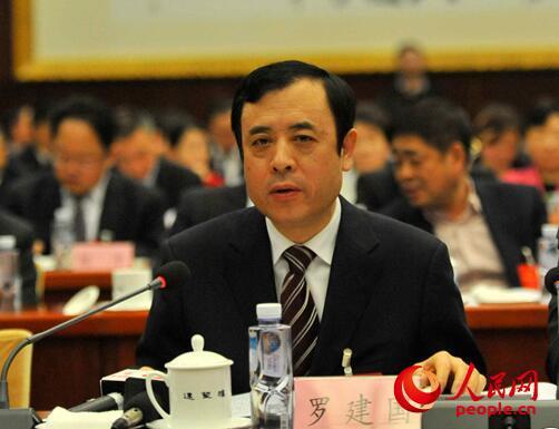 全国人大代表、安徽省财政厅长罗建国。常国