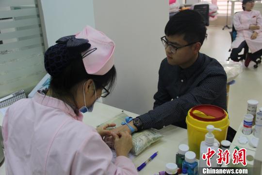 江西大四学生3年献血16次累计两万余毫升(图)