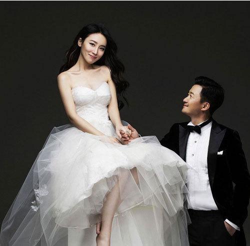 明星婚纱照_阿杜宣布结婚被喊买车新娘圈外人 史上最全明星结婚照