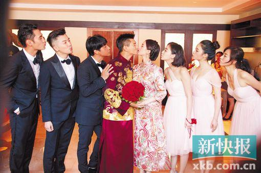 吴奇隆、刘诗诗大婚礼成小虎队同台唱《爱》(图)